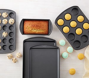 Baking Pans & Liners