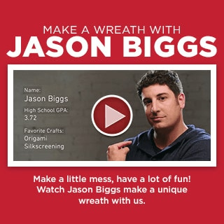 Jason Biggs & Busy Philipps Make Holiday Wreaths